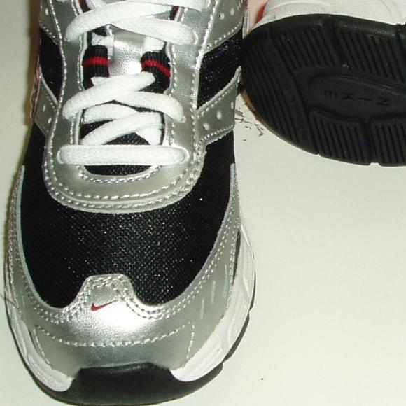 best authentic 14bc6 ddbd8 Nike Run II Shoes 12.5c Little Kids Brand New